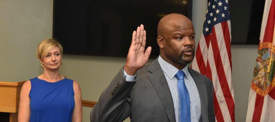 Gobernador DeSantis designa al primer sheriff de color del Condado de Broward
