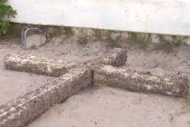 ¿Resuelto misterio detrás de la cruz que apareció en playa de Florida?