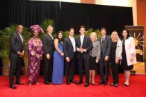 Oliver Diez es nombrado maestro del año de las Escuelas Públicas del condado Miami-Dade