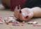 Madre intentó matar a su hija con síndrome de Down y le prohíben estar a solas con ella
