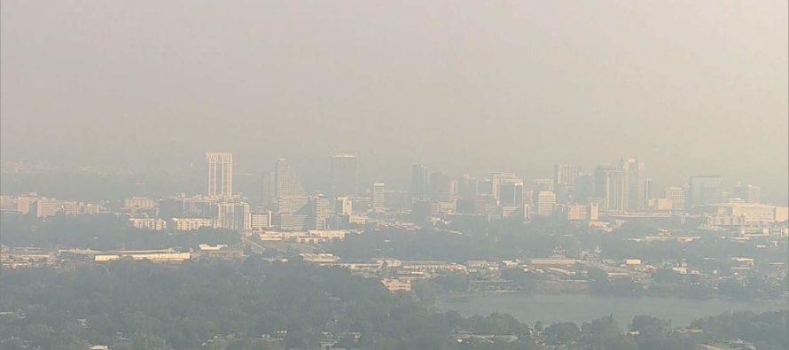 Humo por un incendio controlado cubrió a toda Florida Central
