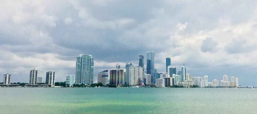 Miami-Dade podría recortar el presupuesto de alcantarillado