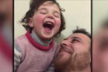 El desgarrador vídeo en el que un padre sirio simula que las bombas son un juego para evitar un trauma a su hija