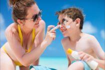 ¿Qué papel juega la crema solar en la contaminación de las aguas?
