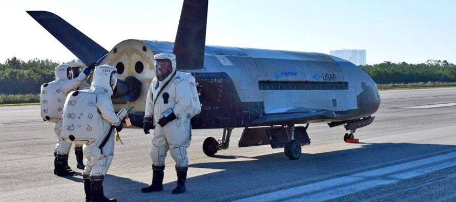 Captan imágenes en órbita de la aeronave espacial secreta X-37B del Pentágono