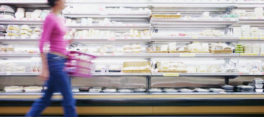 Mujer se desnudó en un supermercado tras ser acusada de robo