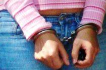 Detienen en Miami a mujer de 48 años por comportamiento lascivo con un adolescente