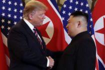 Trump y Kim se estrechan la mano mientras el mundo observa lo que será una segunda reunión entre ambos líderes