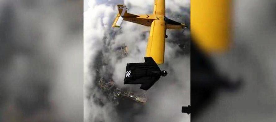 Nervios de altura: Un deportista extremo voló al lado de un avión a 5000 metros
