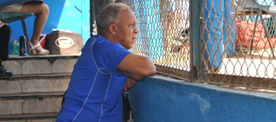 Fanáticos de Industriales de La Habana en Miami suspiran por la vuelta de Rey Vicente Anglada