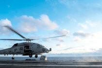 Helicópteros de la Armada en Florida atentos ante llegada de Dorian