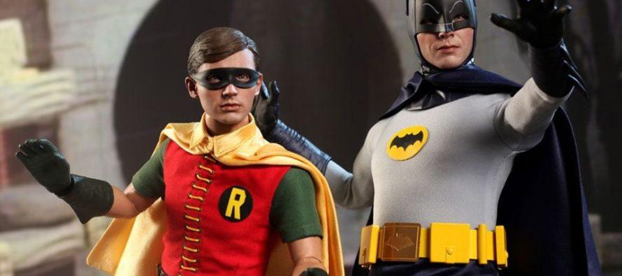 ¡Pendientes! Subastarán trajes de Batman y Robin de los años 60