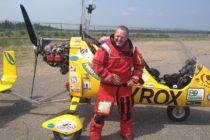 Hombre de Oregon establece récord al completar 9 años de viaje por el mundo en un girocóptero