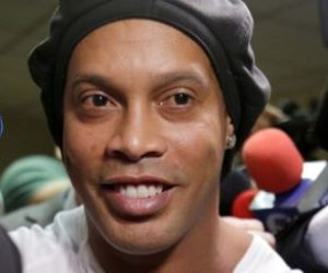 Ronaldinho abandonó la cárcel y cumplirá arresto domiciliario en hotel de lujo en Paraguay