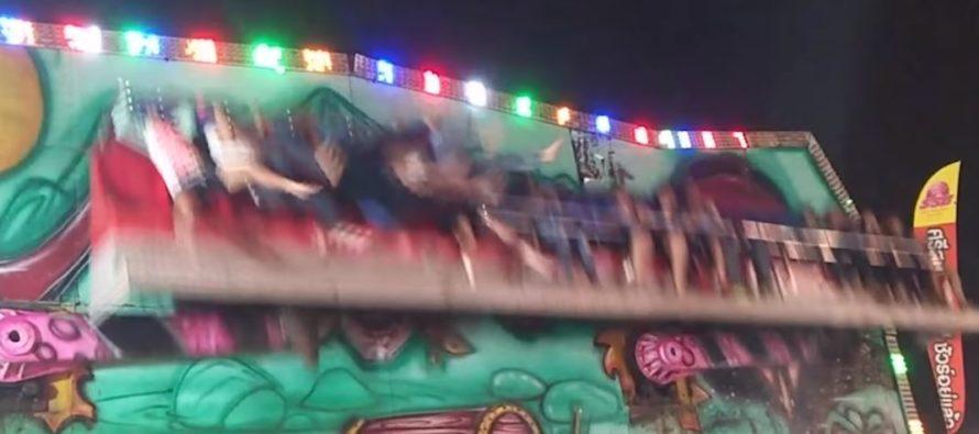 ¡Impactante! Falló la seguridad de una atracción y cinco niños salieron volando +Vídeo