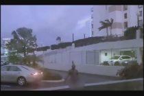 Solo en Florida: Sujeto totalmente desnudo se robó un coche y se generó una persecución policial que terminó en tiroteo