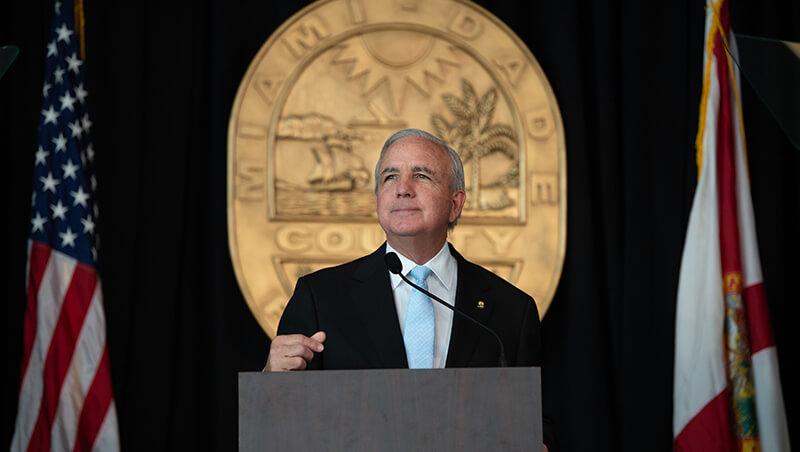 Alcalde de Miami-Dade Carlos Giménez pide a los ciudadanos ...