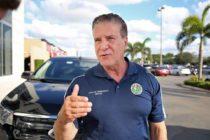 Multaron al alcalde de Hialeah por otorgar licencias ilegales