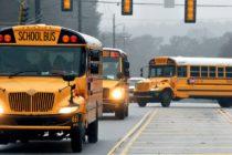 Realizan campaña de concienciación sobre la seguridad en las paradas de autobuses escolares