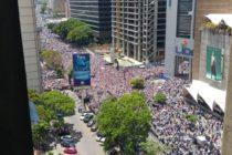 Venezolanos atendieron convocatoria de Guaidó, pese a amenaza de colectivos, ataques a la prensa y detenciones #6Abr