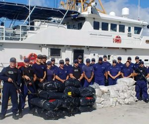 Guardia costera descarga $62 millones en drogas en Port Everglades