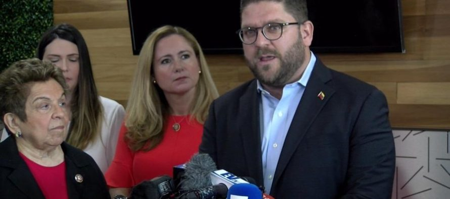 Embajada de Venezuela apoya iniciativas que den estatus legal a la diáspora venezolana en EE UU
