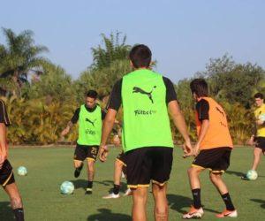 Peñarol ya se encuentra en Miami con todos los gastos pagos para realizar su pretemporada
