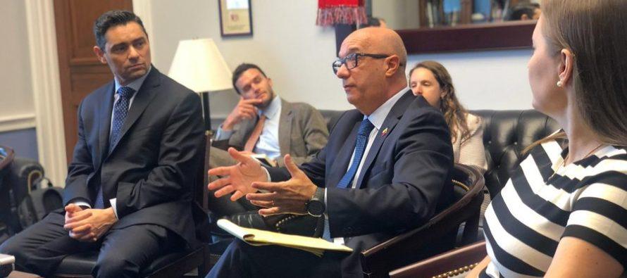 Oficial de policía venezolano Iván Simonovis se reunió con congresistas de EE UU