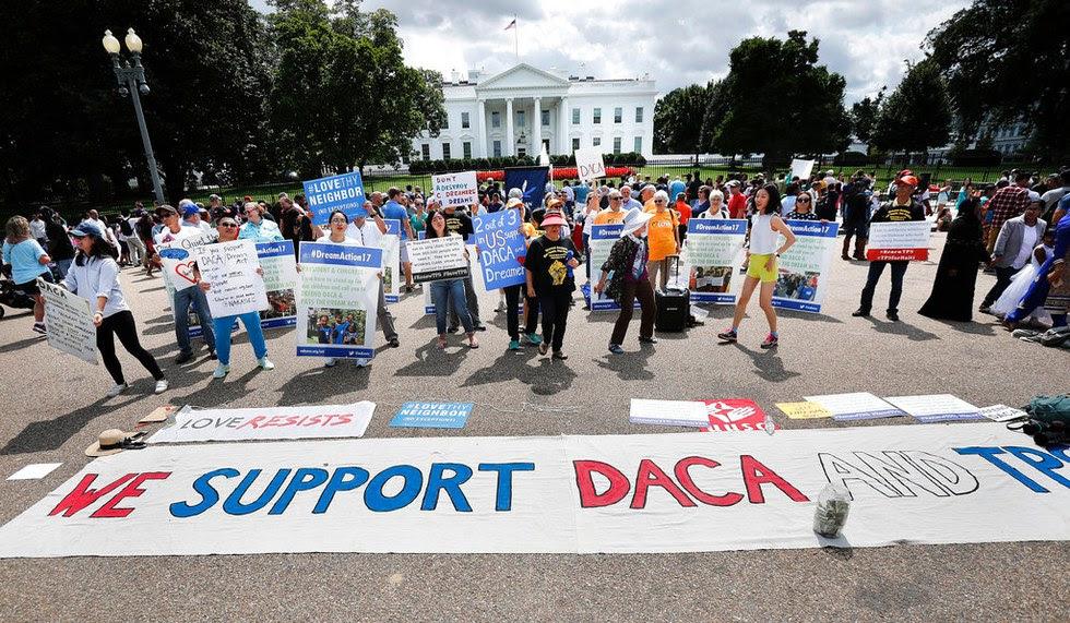 Juez federal en NY invalida suspensión del programa DACA