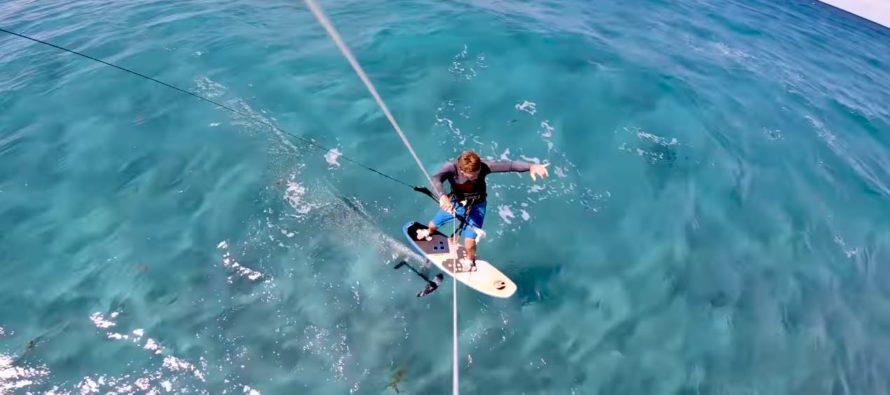 Campeón mundial de kitesurf salió ileso tras navegar entre tiburones en Palm Beach (Video)