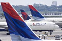 Delta extiende la posibilidad de volver a reservar viajes afectados por coronavirus por hasta dos años