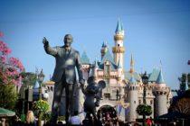 ¡Insólito! Mujer pide ayuda en internet tras perder a su novio en Disneyland
