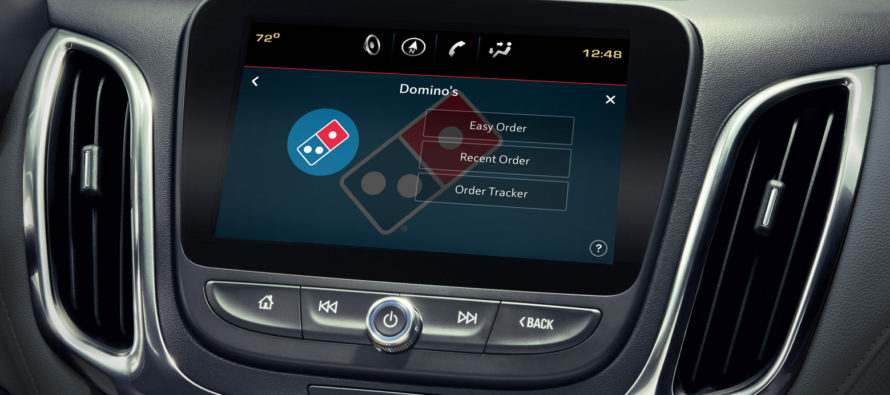 En 2020 los automóviles vendrán con una función para pedir pizza