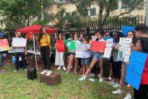 Organizaciones se reunieron en Miramar para protestar contra las redadas del ICE
