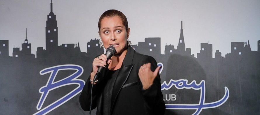 Comediante Natalia Valdebenito tendrá dos presentaciones en Miami el 23 y 30 de agosto