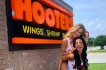 Hooters hará un calendario 2020 con hermosas chicas y donará el dinero a pacientes con cáncer de mama