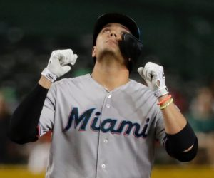 Los Marlins doblegaron 12-6 a los Diamondbacks en Arizona