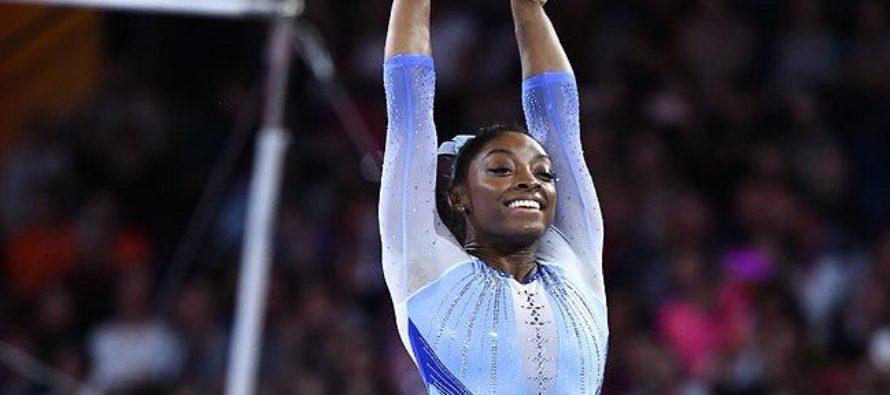 ¡Simone Biles histórica! La gimnasta guió a la selección de EE.UU. a la medalla de oro en el Mundial