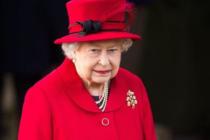 Elton John reveló que fue testigo de cómo la reina Isabel II abofeteó a su sobrino por desobedecerla
