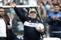Hincha pidió retratarse el rostro de Maradona y este fue el resultado