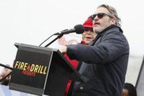 Arrestan al actorJoaquin Phoenix tras acusar a la industria cárnica de ser una de las causas del cambio climático