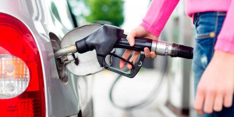 Biden concede exención temporal a una empresa en medio de escasez de gasolina