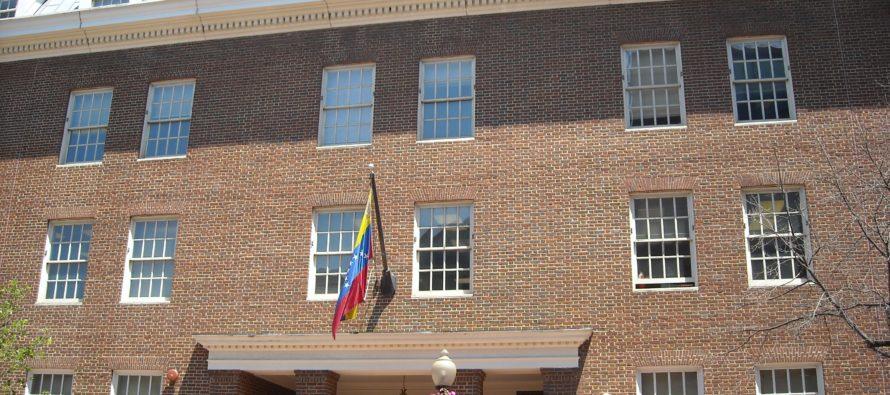 Representantes designados por Juan Guaidó prestarán servicios consulares en EE UU