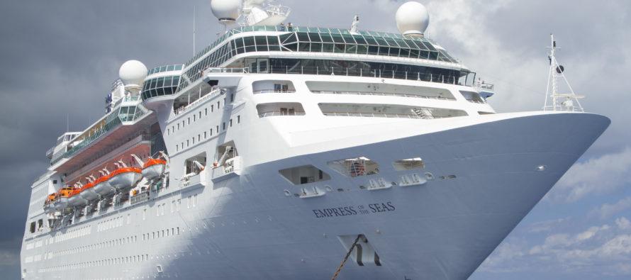 Atracó en Miami el último crucero que partió desde La Habana