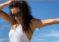Eva Longoria lució su retaguardia con sugestivo bikini blanco en la playa (+Fotos)