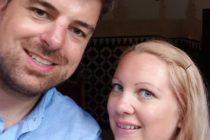 ¡Sorpresa! Hombre apuñaló a su esposa tras decirle que se tapara los ojos para darle un regalo