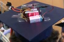 Policías confunden birrete de graduación con una bomba casera en Florida