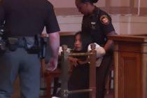 Exjueza es sacada arrastrada de una corte en Ohio tras ser condenada a 6 meses de prisión (VIDEO)