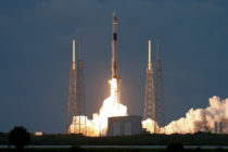 SpaceX lanzó cohete Falcon 9 que transporta satélite de comunicaciones israelí (Video)