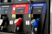 Precio de la gasolina continúa bajando en Florida